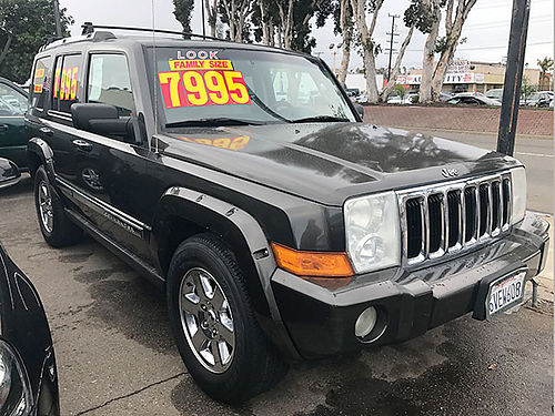 2006 JEEP COMMANDER - Hemi 57lLT V8 top of the line luxury  extra roomy full power runs  looks