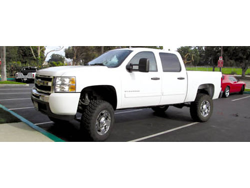 2011 CHEVY SILVERADO 1500 CREW CAB 6 Lift auto AT tires cust whls all pwr 25181 mi AC Pion