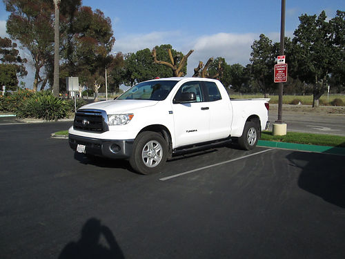 2010 TOYOTA TUNDRA EXT CAB 4X4 auto V8 46L all pwr AC CD 108K orig mi tow pkg well maint