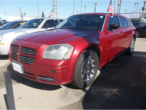 2006 DODGE MAGNUM - Super luxury  sporty one of a kind excellent condition loaded clean  roomy