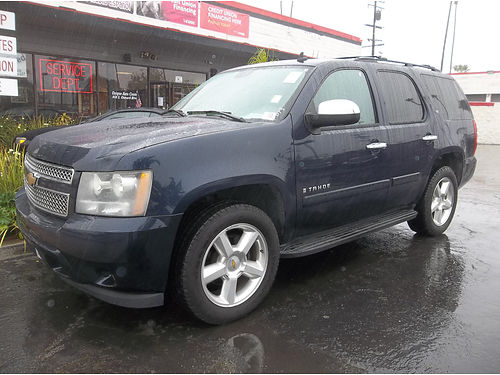 2007 CHEVY TAHOE - extra luxury  roomy family size super clean runs  looks like new loaded al