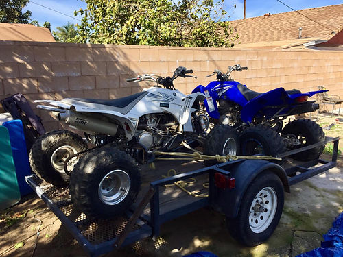 YAMAHA QUADS AND TRAILER white - 06 Yamaha w450 eng  blue - 09 Yamaha w350 eng incl 04 trail