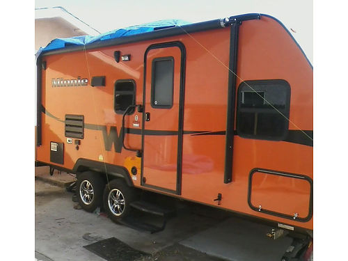 2015 WINNEBAGO MINNIE 22 Travel Trailer very clean everything works sleeps 4 full bathkitchen