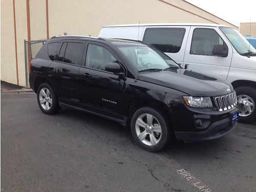 2016 JEEP COMPASS - black beauty excellent condition in and out call for details 567650-HP2868