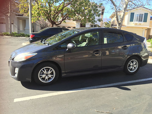 2011 TOYOTA PRIUS Hybrid great condition ACHeater good CD player pwr wndw  locks 95K miles r