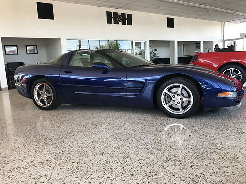 2004 CHEVY CORVETTE - super sporty  luxury spring ready all power extra clean runs  looks like