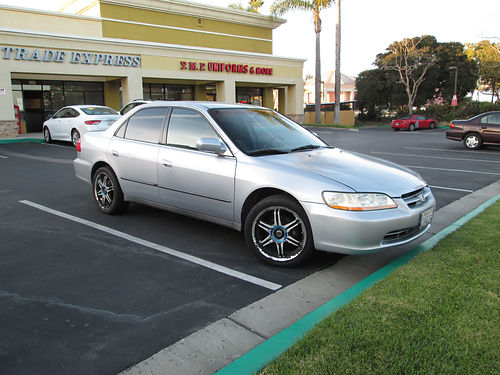 1998 HONDA ACCORD 5 spd manual 4cyl 4dr nice body paint and int nice stereo  wheels clean in