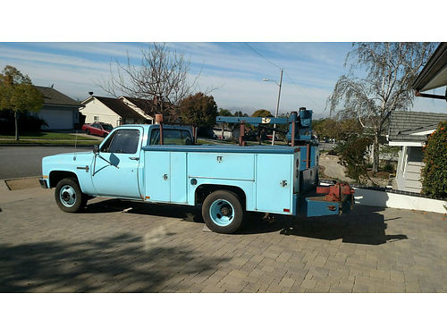 1987 CHEVY C30 1 TON UTILITY BODY 2 vices dual rear axle 140K mi Blue with 1 Ton Crane 350 ci
