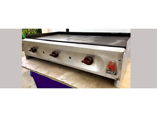 36 WOLF GAS GRIDDLE 450 please call for more info