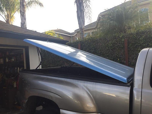 FIBERGLASS TONNEAU COVER fits dually or longbed great cond must see 500 obo