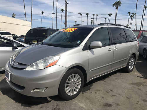 2007 TOYOTA SIENNA XLE - sunroof extra luxury top of the line leather alloys more super roomy