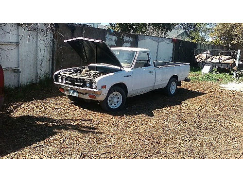 1976 DATSUN PICKUP 4 spd 4cyl longbed runs good 40K orig miles just needs registration fees pa