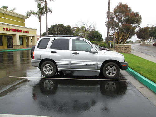 2002 GEO TRACKER auto 4cyl clean new tires with full size spare 127K mi full power stereo t