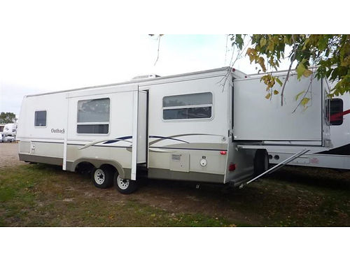 2007 OUTBACK TRAVEL TRAILER 27RSDS 27 xlnt cond two qn beds sleeps 7 easily tow hitch installe