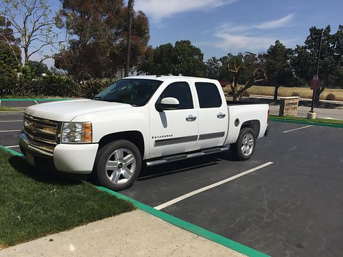 2008 CHEVY SILVERADO new tires and brakes good condition se habla espaol 13000 obo - 831-710-