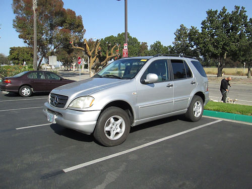 2001 MERCEDES ML320 Auto 6cyl 136K mi 4WD grey with grey leather interior xlnt cond in  out