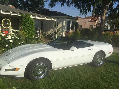 1996 CHEVY CORVETTE CONVERTIBLE 1 of only 4369 made White soft top Dash signed by Mr Corvette
