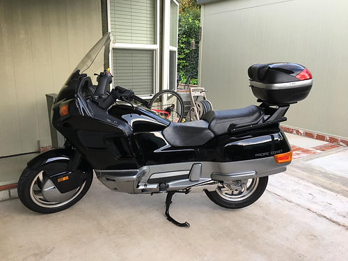 1994 HONDA PACIFIC COAST 800 cc V twin water cooled new tires  batt shaft drive well cared for