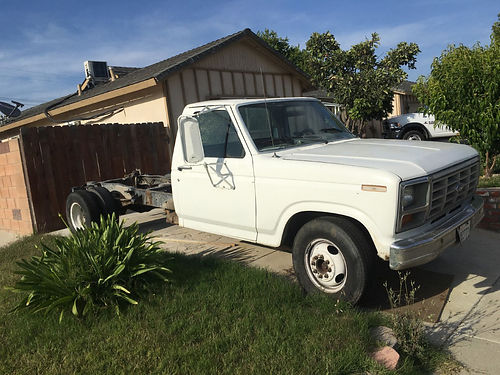 1982 FORD F350 CHASSIS ONLY 6 new tires  spare reg to 082017 runs good slvg ttle parting out