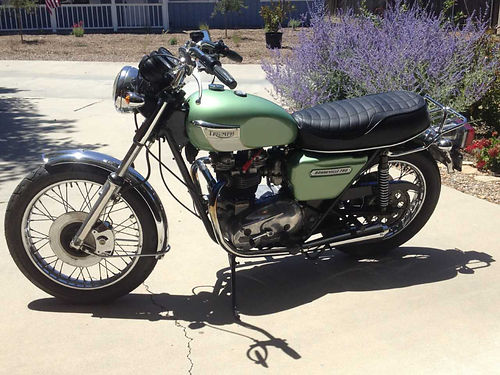 1979 TRIUMPH BONNEVILLE 750 runs strong just gone through carburators tune-up  brakes new cust