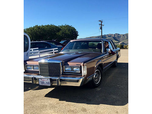 ICONIC 1988 LINCOLN TOWNCAR Signature Series auto V8 all orig 73K orig mi Senior owned straigh