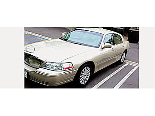 2004 LINCOLN TOWNCAR ULTIMATE - Good cond Fully loaded V8 Automatic Trans 181K Fwy Miles Leather