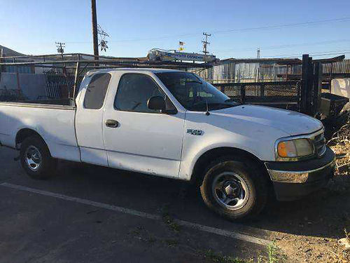 2000 FORD F150 5 spd 6cyl great work truck 4500