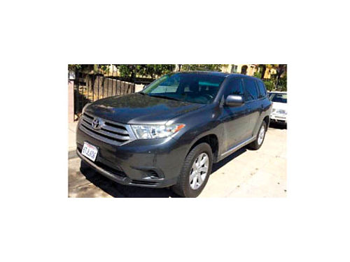 2011 TOYOTA HIGHLANDER auto V6 70K mi 4 dr 7 pass clean in  out AC CD all power back up c