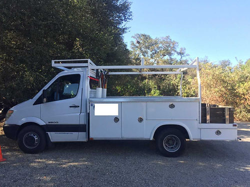 2007 DODGE SPRINTER Utility Body on flat bed  rack Dually diesel 6 cyl lots of pwr great MPG