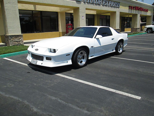 1992 CHEVY CAMARO RS Anniversary Edt auto V8 305 fully loaded AC stereo new upholstery well