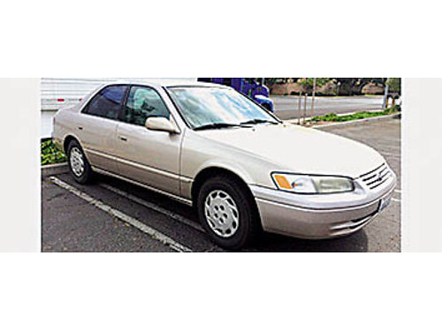 1999 TOYOTA CAMRY - 4 cyl 323K miles Runs great new timing belt 2 new tires AC works 2200 obo