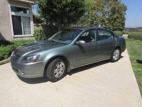 2006 NISSAN ALITMA 4 door green w tan int 143k miles auto 4 door 25S model full power looks