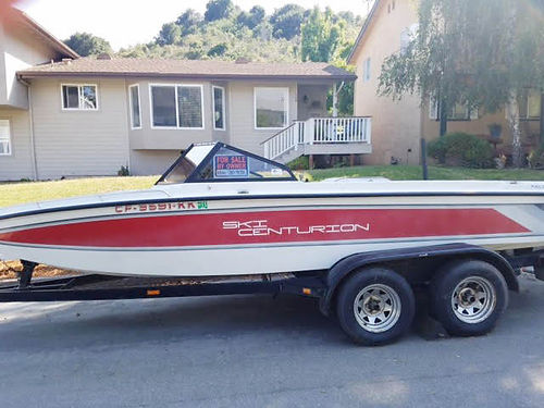 1989 SKI CENTURION - Great famly ski boat low hours V8 engine red and white open bow with tandem