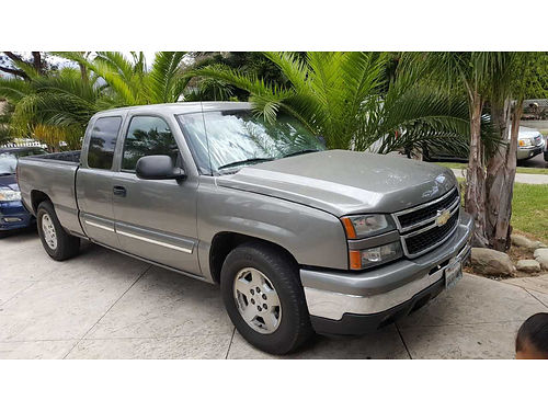 2007 CHEVY SILVERADO 1500 auto V8 newer tires 149K mi well maint very clean runs great every