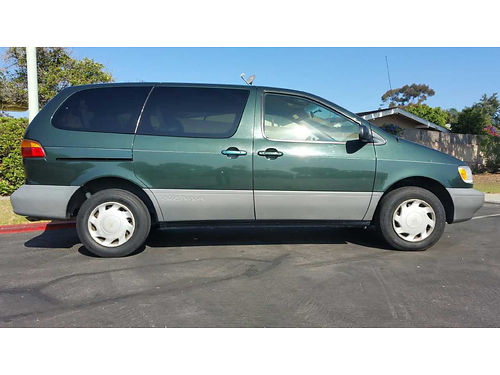 1999 TOYOTA SIENNA autoair pw 7 passenger green w gray int runs good and good cond 174k mile