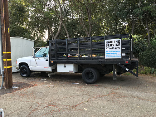 1995 GMC 3500 FLATBED Liftgate automatic ps runs great has two side toolboxes 6000 obo pleas