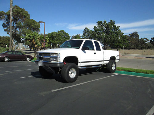 1999 CHEVY 1500 EXT CAB 4x4 Z71 auto V8 6 Lift cust exhst Weld Racing whls nerf steps skid