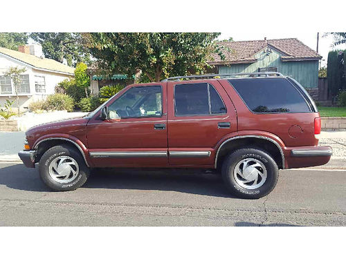 1998 CHEVY BLAZER auto 6cyl leather sunroof all pwr AC stereo well maint runs great clean