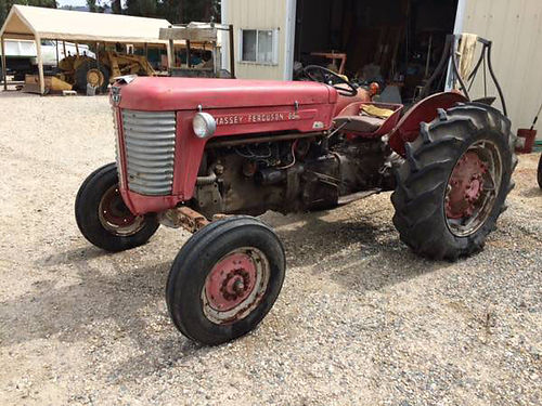 MASSEY FERGUSON 35 TRACTOR SN 151109 recent valve job new NAPA battery  new carburetor tires g