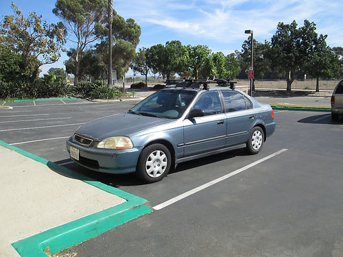 1998 HONDA CIVIC 4 cyl 5 spd standard very clean int 4 dr new tires AC great running cond Ya