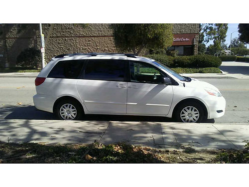2007 TOYOTA SIENNA auto super clean in and out cloth int 8 pass runs great 165K fwy mi one ow