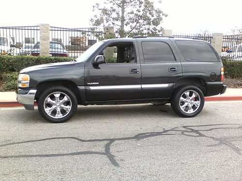 2004 GMC YUKON auto Flowmaster exhst cust 20 whls smogged 3rd seat great cond runs great cu
