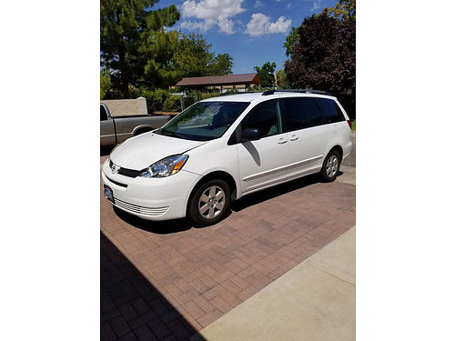 2005 TOYOTA SIENNA 7 pass auto AC CD cloth int super clean in and out beutiful cond and color
