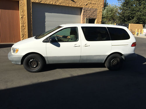 1998 TOYOTA SIENNA 7 pass good cond in  out all power AC stereo runs great new tires well m