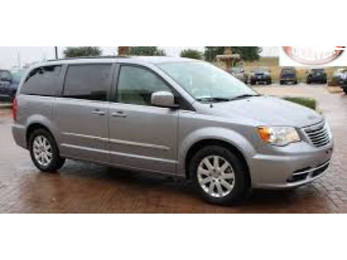 2014 CHRYSLER TOWN  COUNTRY MINIVAN - Clean Carfax only 43k miles full power Satellite radio Bl