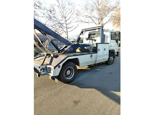 1997 NISSAN UD TOW TRUCK auto diesel 6cyl reg current runs strong ready for work se habla esp