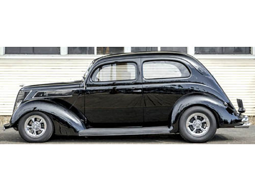 1937 FORD 2 DOOR RESTOMOD 355 Horse ZZ4 crate eng Show  Pro Touring all new 2500 mi Best of B