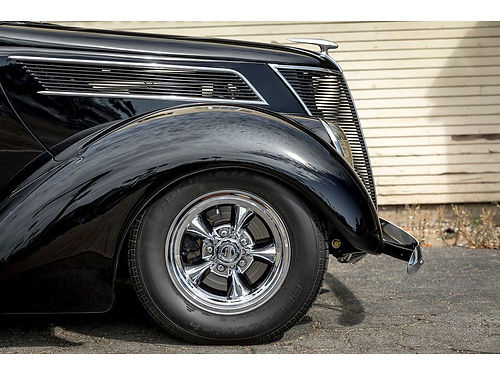 1937 FORD 2