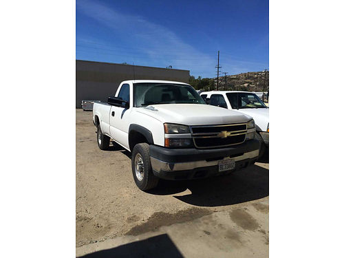 2007 CHEVY SILVERADO 2500 HD gas auto V8 bedliner tow pkg AC 180K mi in great shape 5950