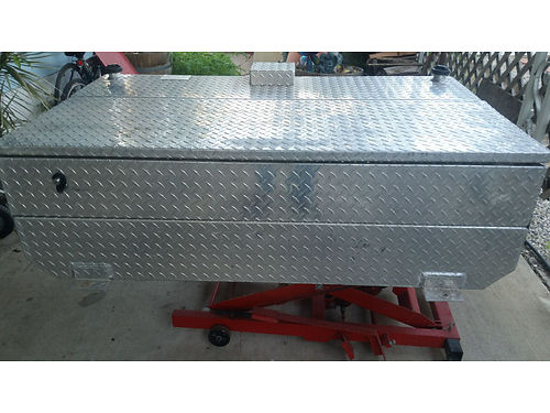 ATTA ALUMINUM TANK and tank accessories Model AT110 Ltt 110 gal SN 281 locking tool box keys